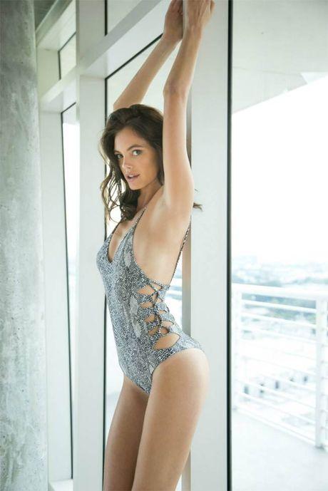 Ve sexy cua my nu tung khien CR7 'cam sung' Irina Shayk - Anh 8