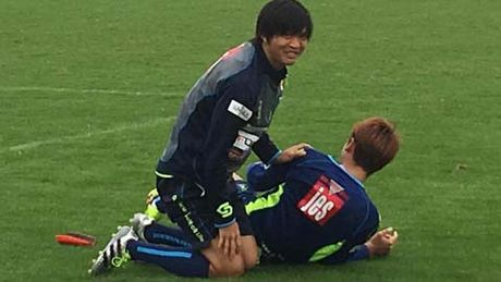 Tuan Anh tro thanh cau thu 'dang so' tai J.League 2 - Anh 1