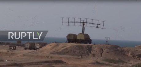 Ten lua Tomahawk xung tran, phien quan Houthi lanh du - Anh 2