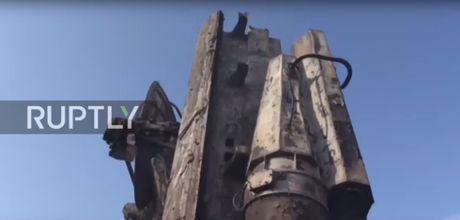 Ten lua Tomahawk xung tran, phien quan Houthi lanh du - Anh 4