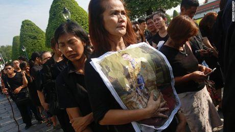Thai Lan: Xep hang ca cay so don linh cuu Vua Bhumibol - Anh 9