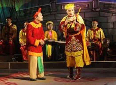 Vuc day san khau cheo truyen thong: Uoc mo chi la uoc mo? - Anh 1