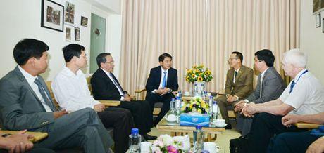 Chu tich UBND TP Nguyen Duc Chung chuc mung Hoi thanh Tin lanh Ha Noi - Anh 1