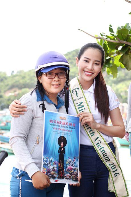 Vuot 'bao' du luan, Nam Em van no luc tai Miss Earth 2016 - Anh 6