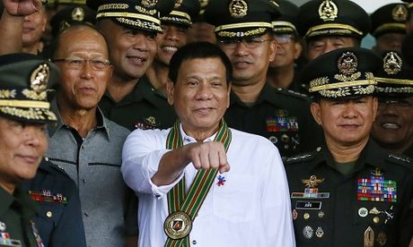 Nguoi dan Philippines khen Tong thong Duterte 'tho lo nhung chan thanh, yeu dan' - Anh 1