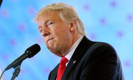 Bi to hiep be gai 13 tuoi, ong Trump doi mat nguy co hau toa - Anh 1