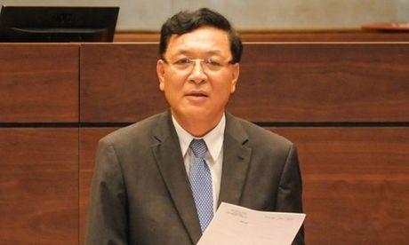 Bo truong 'tran danh lon' tro lai lam viec tai Dai hoc Thuong Mai - Anh 1