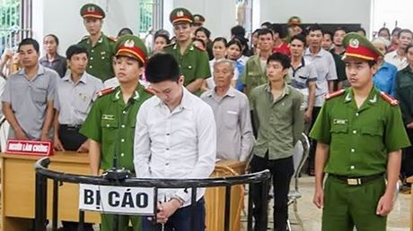 Bo luat To tung hinh su 2015: Quy dinh moi ve xet xu voi nguoi duoi 18 tuoi - Anh 1