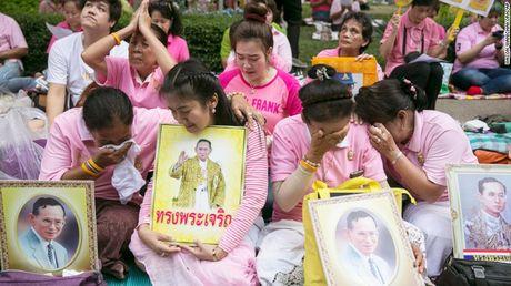 Vi sao nha vua Bhumibol Adulyadej la bieu tuong hoa binh cua Thai Lan? - Anh 3