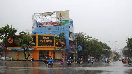 Ap thap nhiet doi gay thiet hai nang o Quang Tri va Thua Thien- Hue - Anh 1