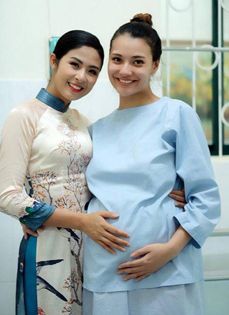 Nguoi mau Hong Que sinh con gai dau long nhung van giau cha dua be - Anh 6