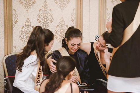 Thi sinh Miss Grand International vay quanh an ui Hoa hau Thai Lan - Anh 2