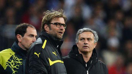 HLV Mourinho that the khi doi dau Klopp - Anh 4
