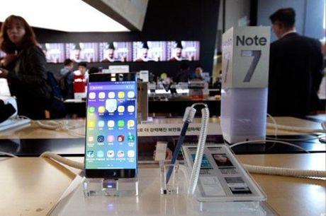 40% nguoi dung tu bo Samsung sau tham hoa Galaxy Note 7 - Anh 1