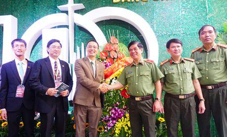 Chuc mung Le ky niem 100 nam thanh lap Hoi Thanh Tin Lanh Ha Noi - Anh 1