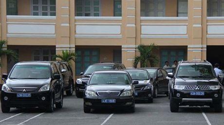 Bo Cong Thuong: thua 57 xe cong van xin mua them xe moi! - Anh 1