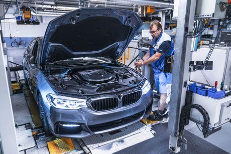 'Dot nhap' nha may chu luc che tao BMW 5 Series 2017 - Anh 15