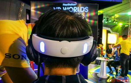 Kinh thuc te ao Playstation VR gay sot tai Sony Show Ha Noi - Anh 5