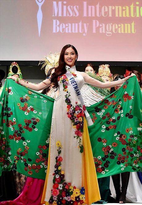 'Bong hoa nho' Phuong Linh toa sang tai Hoa hau Quoc te 2016 - Anh 5