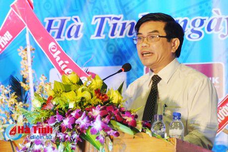 Gan 7.000 SV Dai hoc Ha Tinh buoc vao nam hoc 2016-2017 - Anh 4