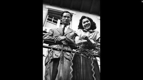 Cuoc doi Duc vua Thai Lan Bhumibol Adulyadej qua anh - Anh 3