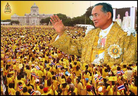 Thai Lan chuyen minh the nao duoi thoi Nha vua Bhumibol Adulyadej? - Anh 1