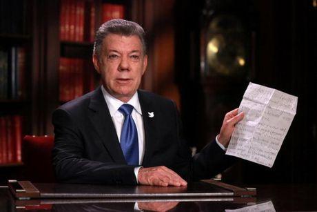 Tong thong Colombia keo dai lenh ngung ban voi FARC - Anh 1