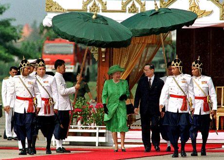 Quoc vuong Thai Lan - ty phu dola voi triet ly 'kinh te vua du' - Anh 1