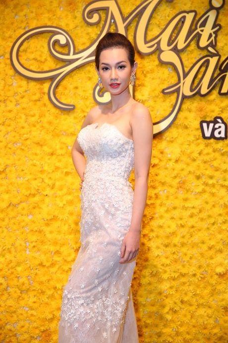 Quynh Chi - Kim Tuyen do sac gai mot con trong su kien - Anh 1