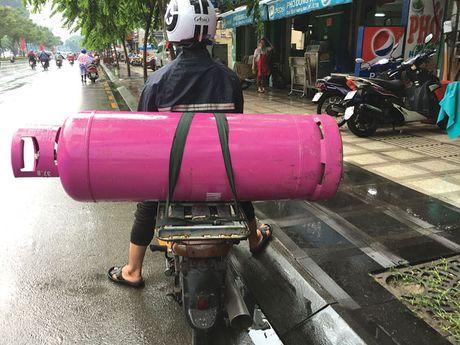 Phai manh tay dep bo nhung 'hung than' tren duong pho - Anh 3