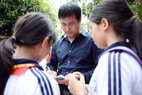 Thong diep tu hanh dong cua thay tro HLV Huu Thang - Anh 1