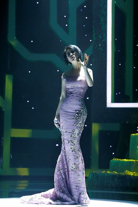 Ca si Thu Phuong bat ngo 'xuong toc' - Anh 3