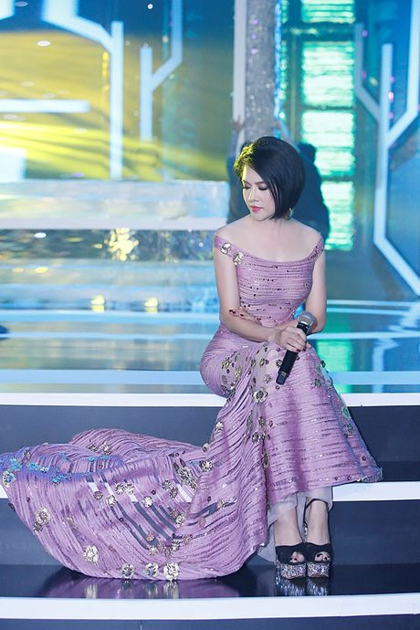 Ca si Thu Phuong bat ngo 'xuong toc' - Anh 4