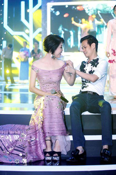 Ca si Thu Phuong bat ngo 'xuong toc' - Anh 8