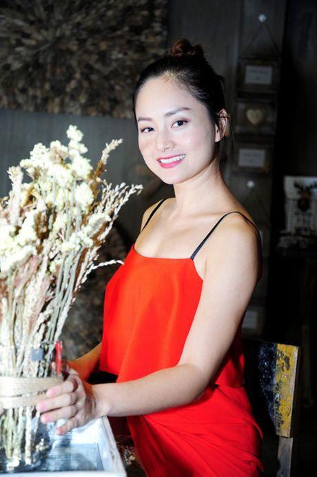 Le Quyen khoe kheo tui xach hon 300 trieu khi di su kien - Anh 7