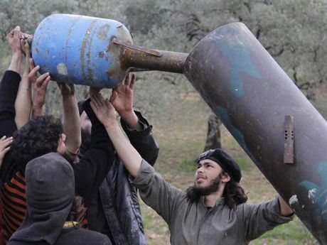 Quan noi day co thu o Aleppo dang chuan bi dau hang - Anh 2