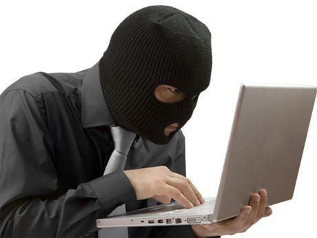 Lay clip nong tu email cua ban de tong tien - Anh 1
