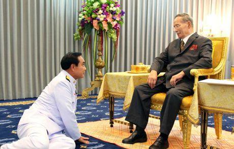 Cac doi thu tuong Thai va long ton kinh Quoc vuong Bhumibol - Anh 8