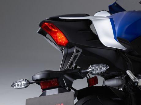 Yamaha gioi thieu sieu moto R6 2017 - Anh 4