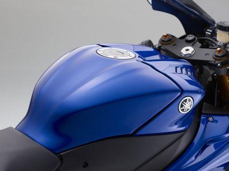 Yamaha gioi thieu sieu moto R6 2017 - Anh 7