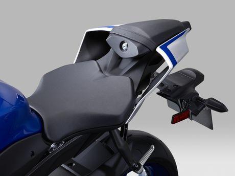 Yamaha gioi thieu sieu moto R6 2017 - Anh 8