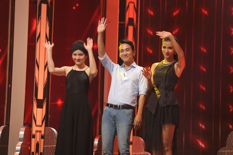 Truong Giang om chat Kim Tuyen trong game show - Anh 1