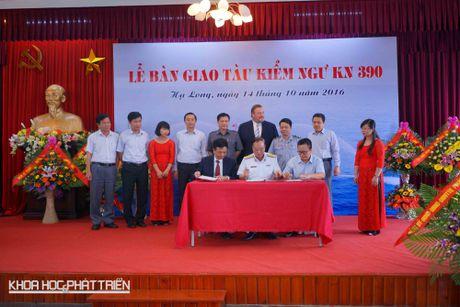 Kiem ngu Viet Nam nhan ban giao tau tuan tra KN-390 - Anh 1