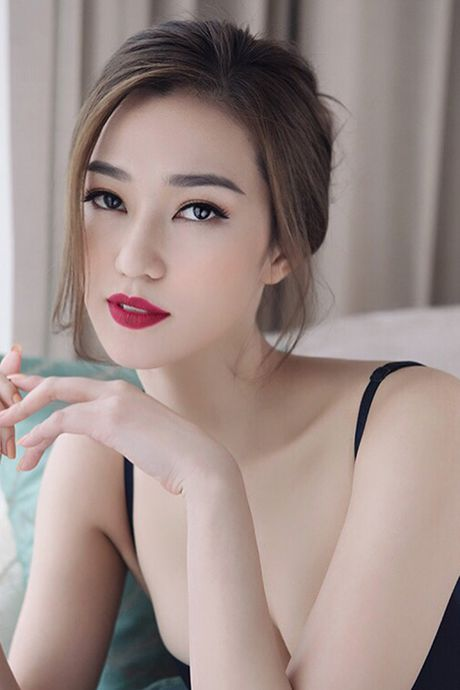 Khanh My pho duong cong cuc sexy voi noi y - Anh 4