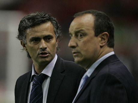 TIET LO: Mourinho tung cu dai dien toi toi Liverpool de xin viec - Anh 2