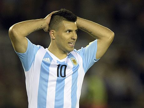 Aguero chua bao gio duoc ca tung nhu Ronaldo hay Henry du cuc ky xuat sac - Anh 2