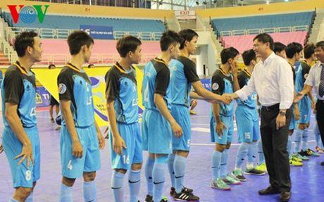 Duc Vua Thai Lan bang ha, giai Futsal chuyen tu Thai sang Indonesia? - Anh 1