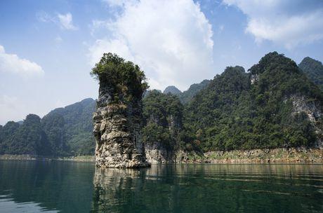 Lac vao huyen thoai giua long ho thuy dien Tuyen Quang - Anh 10