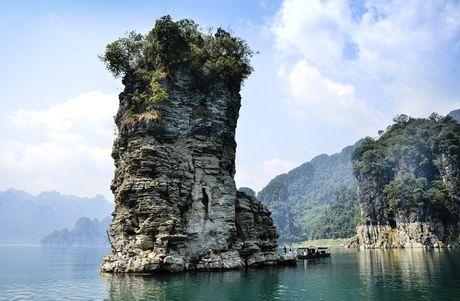 Lac vao huyen thoai giua long ho thuy dien Tuyen Quang - Anh 8