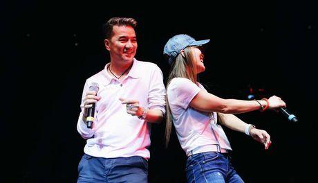 Mr Dam va e kip luyen tap den 2 gio sang cho liveshow 12 ty tai Ha Noi - Anh 2